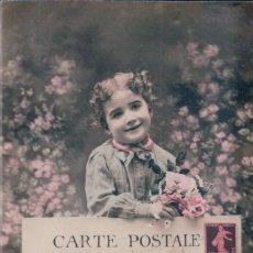 Postales: POSTAL NIÑO CON FLORES - CIRCULADA . Lote 178899193