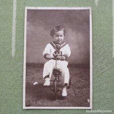 Postales: FOTO-POSTAL DE NIÑO CON TRICICLO. Lote 180027472