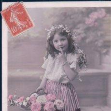Postales: POSTAL NIÑA CON CESTA DE FLORES - CIRCULADA ETOI 108. Lote 180234216