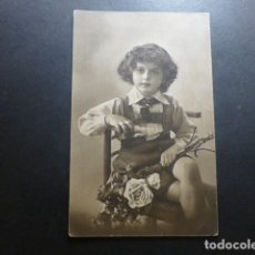 Postales: NIÑO CON FLORES POSTAL . Lote 183396037