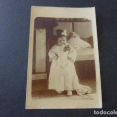 Postales: NIÑA DISFRAZADA POSTAL FOTOGRAFICA HACIA 1915. Lote 183486571