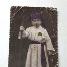 Postales: ANTIGUA TARJETA POSTAL. NIÑO DE LA COFRADÍA DE LA YEDRA. SEMANA SANTA DE JEREZ (CÁDIZ) AÑO 1943. Lote 185783516