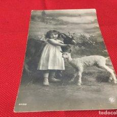 Postales: LINDA FOTOGRAFÍA NIÑA CON ANIMALES-POSTAL. Lote 191714515