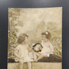Postales: C.R. POSTAL ANTIGUA, DOS NIÑAS DE LA ÉPOCA. Lote 194078457