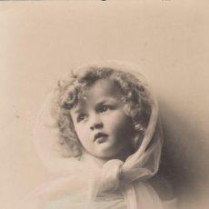 Postales: TARJETA POSTAL. NIÑA. EDITA GG. ESCRITA.. Lote 194711510