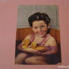 Postales: NIÑA CON PATITOS. ED. ALTEROCCA. Nº 71177. ITALIA. CIRCULADA 1975.. Lote 195052993