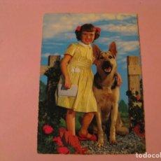 Postales: NIÑA CON PERRO. ED. KRUGER. 900/129. ESCRITA.. Lote 195053105