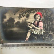 Postales: POSTAL ROMÁNTICA. NIÑA CAMPESINA. FOTÓGRAFO?. H. 1915?.. Lote 195181403