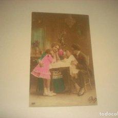 Postales: ANTIGUA POSTAL DE FAMILIA COLOREADA . ESCRITA 1919. Lote 205572628