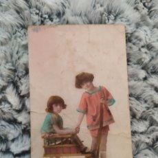 Postales: FOTO INFANTIL COLOREADA A MANO POSTAL ANTIGUA AÑOS 20 ,DOS NIÑAS. Lote 206783887