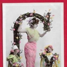 Postales: AE891 MUJER NINOS ABECEDARIO ALFABETO LETRA G CON FLORES FECHA 1907 FOTO STEBBING. Lote 208173396