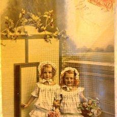 Postales: P-11666. POSTAL COLOREADA DE DOS HERMANAS- CIRCULADA Y SELLADA. AÑO 1908. Lote 222561695