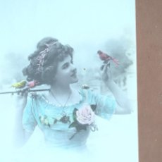 Postales: POSTAL NIÑA CON CON PÁJAROS . AÑO 1911. ESCRITA. Lote 237811030