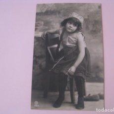 Postales: ANTIGUA POSTAL DE UNA NIÑA. ED. RPH. CIRCULADA. ALEMANIA 1908.. Lote 254188220