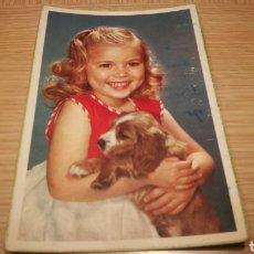 Postales: ANTIGUA TARJETA POSTAL DE UNA NIÑA CON PERRO - 1955 - CIRCULADA. Lote 262313460