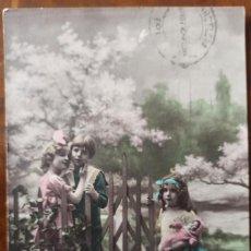 Postales: POSTAL NIÑOS 1924 SIGLO XX PRINC.TORREDEMBARRA A TIENDA BARCELONA SELLO 15 CTS ALFONSO XIII. Lote 269467853