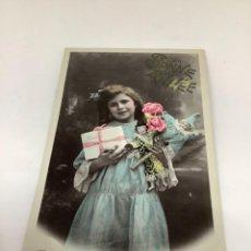 Postales: TARJETA POSTAL, INFANCIA, NIÑOS Y MUÑECAS. FELICITACIÓN AÑO NUEVO. CIRCULADA FRANCIA, IRIS. H 1905.. Lote 269720733