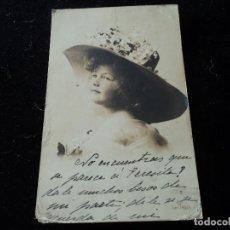 Postales: ANTIGUA POSTAL NIÑA CON SOMBRERO, G G Cº SER. 749/6, CIRCULADA 1910. Lote 289410693