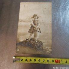 Postales: POSTAL NIÑA CON CESTO OPC, 4931/32. ANGELITA PELEJERO DE 1914. BARCELONA?. Lote 294977553