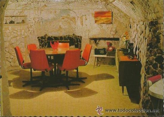 == C722 - POSTAL - DINING ROOM - FAYE NAYLER´S DUGOUT - COOBER PEDY - SIN CIRCULAR (Postales - Postales Extranjero - Oceanía)