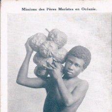 Postales: MISSIONS DES PÈRES MARISTES EN OCÉANIE - ARCHIPEL DES FIDJI : CUEILLETTE DU FRUIT DE L'ARBRE À PAIN. Lote 99174075