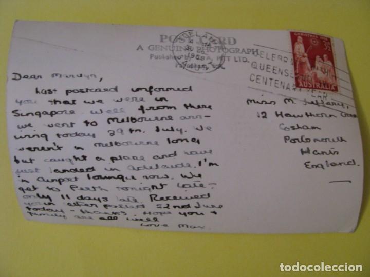 Postales: POSTAL FOTOGRAFICA DE AUSTRALIA. NORTH TERRACE, ADELAIDE, S. A. CIRCULADA. AÑOS 50. - Foto 2 - 173552697