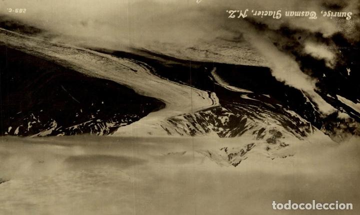 SUNRISE, TASMAN GLACIER NEW ZEALAND POST CARD (Postales - Postales Extranjero - Oceanía)