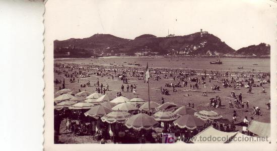 FOTOGRAFICA DE SAN SEBASTIAN.LA PLAYA, AL FONDO IGUELDO. (Postales - España - País Vasco Moderna (desde 1940))