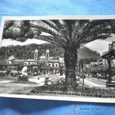 Postales: POSTAL SAN SEBASTIAN JARDINES Y AYUNTAMIENTO 1958 CIRCULADA. Lote 15743597