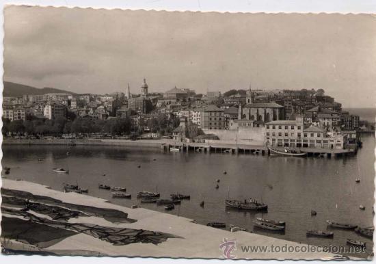 BERMEO(VIZCAYA).-PUERTO Y VISTA PARCIAL (Postales - España - País Vasco Moderna (desde 1940))