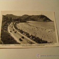 Postales: POSTAL DE SAN SEBASTIÁN, PASEO DE MIRACONCHA Y MONTE IGUELDO. CIRCULADA 1957. P-1083. Lote 24122818
