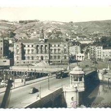 Postales: POSTAL BILBAO - 1964 .. PUENTE GRAL MILA Y AYUNTAMIENTO .. PROPAGANDA CAFETERÍA ESTRAUNZA. Lote 27946976