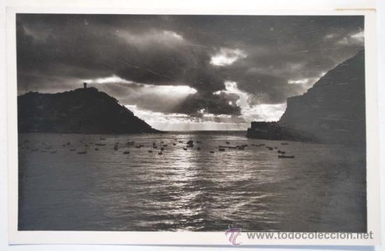 GUIPUZCOA. SAN SEBASTIAN. EFECTOS DE SOL EN LA BAHÍA. (Postales - España - País Vasco Moderna (desde 1940))