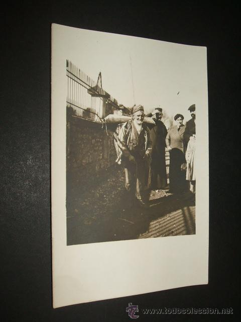 BALMASEDA VIZCAYA POSTAL FOTOGRAFICA HACIA 1906 TIPO DEL PAIS HOMBRE CON CESTA A LA ESPALDA (Postales - España - Pais Vasco Antigua (hasta 1939))