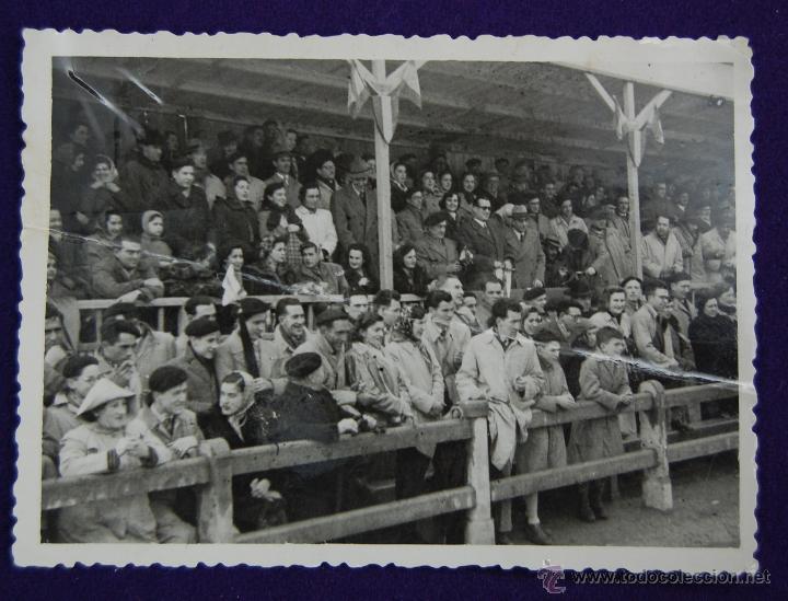FOTOGRAFIA CAMPO DE MENDIZORROZA, VITORIA. ALAVES - EIBAR. FOTO VICENTE. AÑOS 40. (Postales - España - País Vasco Moderna (desde 1940))
