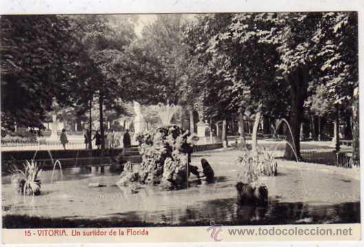 15 VITORIA UN SURTIDOR DE LA FLORIDA. 2702 FOTOTIPIA THOMAS. BARCELONA. SIN CIRCULAR. (Postales - España - Pais Vasco Antigua (hasta 1939))