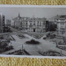 Postales: BILBAO. PLAZA DE FEDERICO MOYUA. POSTAL ESCRITA DEL AÑO 1955.. Lote 49078357