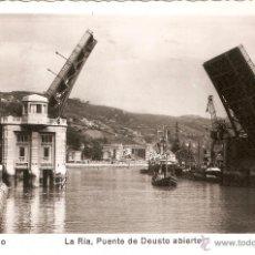 Postales: BILBAO Nº103 LA RIA . PUENTE DE DEUSTO ABIERTO EDITA MADYMA CIRCULADA EN 1955. Lote 53227162