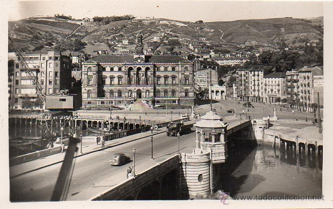 BILBAO - 9 PUENTE GENERAL MOLA Y AYUNTAMIENTO (Postales - España - País Vasco Moderna (desde 1940))
