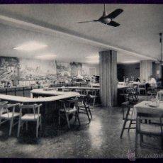 Postales: POSTAL DE VITORIA (ALAVA). HOTEL RESTAURANTE PARAMO, COMEDOR. EDICIÓN HUECOGRABADO FOURNIER. AÑOS 50. Lote 54760215