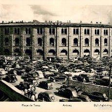 Postales: SAN SEBASTIAN - PLAZA DE TOROS - MANIPEL - MUCHISIMOS COCHES. Lote 56329103