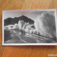 Postales: POSTAL FOTOGRAFICA SAN SEBASTIAN, GRANDES MAREAS GALARZA. Lote 62226712