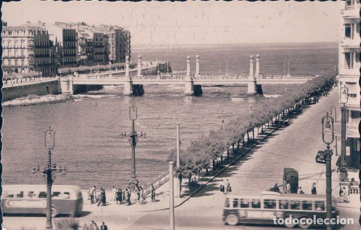POSTAL SAN SEBASTIAN.- RIO URUMEA Y PUENTE DE ZURRIOLA. ED. ARRIBAS (Postales - España - Pais Vasco Antigua (hasta 1939))