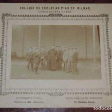 Postales: FOTOGRAFIA DE ESCUELAS PIAS DE BILBAO, CURSO DE 1908 A 1909, FOTOGRAFIA TEROL, MIDE 24,8 X 20 CMS. E. Lote 70006641