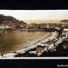 Postales: ANTIGUA POSTAL SAN SEBASTIAN, VISTA DESDE LA VILLA EVA ENEA. FOTO GALARZA 1940. Lote 85345352