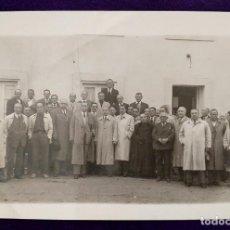 Postales: POSTAL DE SOBRON (ALAVA). CONSEJO DE JEFES LOCALES DE FALANGE Y ALCALDES. FOTO MORA. NOVIEMBRE 1950. Lote 98066223
