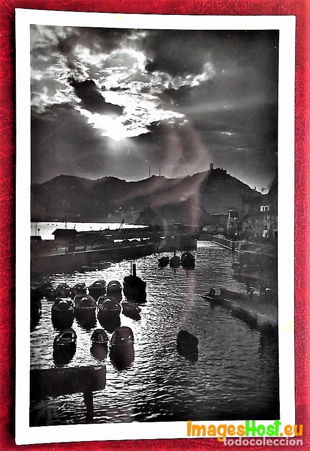 SAN SEBASTIÁN. 254 PUERTO DE PESCADORES. EFECTOS DE SOL. FOTO GALARZA. USADA (Postales - España - País Vasco Moderna (desde 1940))