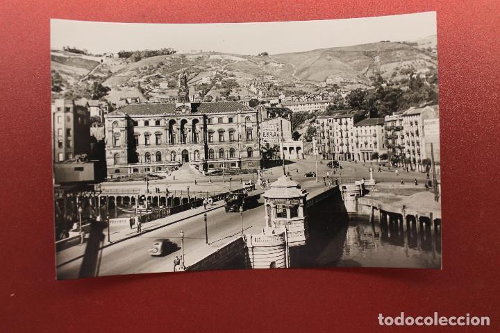 POSTAL DE BILBAO, PUENTE GENERAL MOLA Y AYUNTAMIENTO (Postales - España - País Vasco Moderna (desde 1940))