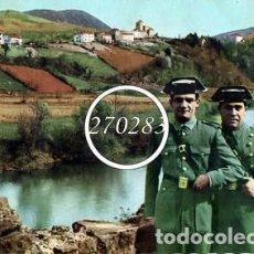 Postales: GUARDIAS CIVILES EN EL RIO BIDASOA AL FONDO LA VILLA DE BIRIATOU (FRANCIA) - ESCRITA AL DORSO. Lote 111713391