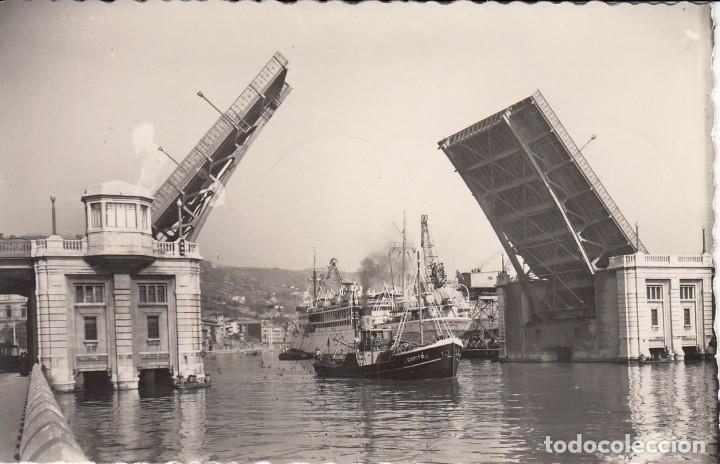 POSTAL: BILBAO. 1977 PUENTE BASCULANTE DEL GENERALISIMO- ESCRITA (Postales - España - País Vasco Moderna (desde 1940))